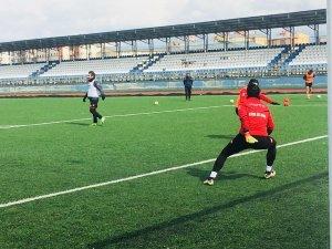 Kars 36 Spor Sarıkamış Gençler Birliği Spor maçına hazır