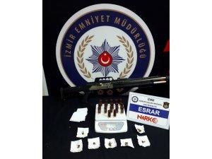 İzmir'de zehir tacirlerine geçit yok: 18 tutuklama