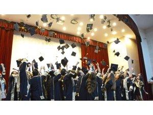 MEÜ Turizm Fakültesi'nde mezuniyet coşkusu yaşandı