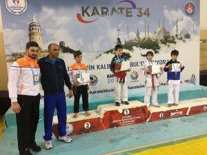 İhlas Koleji'nden iki İstanbul Şampiyonluğu