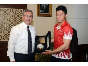 Şampiyon Batuhan'dan Başkan Çetin'e ziyaret