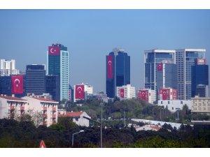 Gökdelenler Türk bayraklarıyla donatıldı