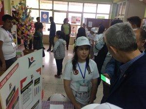 Arapgir'de TÜBİTAK 4006 bilim fuarı düzenlendi