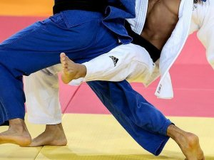 Yıldız judoculardan bronz madalya