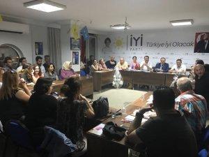Karaçoban, ilçe ziyaretlerinde dur durak bilmiyor