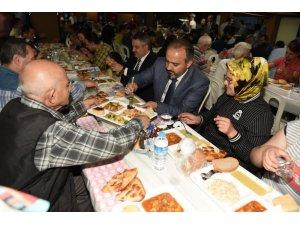 Bursa'da ilk iftarda gelenek bozulmadı