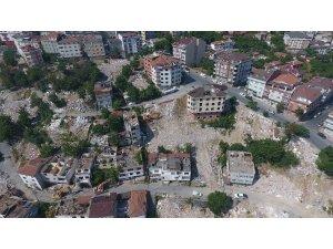 Gaziosmanpaşa'da 23 binanın yıkım anı havadan görüntülendi