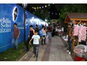 'Ramazanlar Sokağı' büyük ilgi görüyor