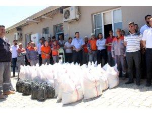 Kilis Belediyesi çalışanlarına gıda kolisi dağıtıldı