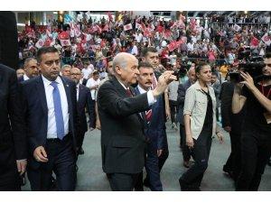 """Bahçeli: """"AK Parti milletvekili adayları oyuna gelmemelidir"""""""
