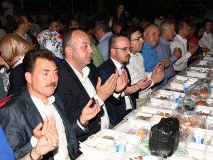AK Partili Turan sanayi esnafıyla iftarda buluştu