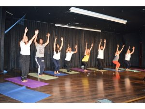 Derslere konsantrasyonda yoga etkisi