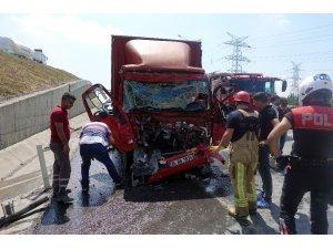 Hasdal - Kemerburgaz Yolu üzerinde zincirleme trafik kazası: 3 yaralı