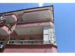 4. kattan düşen 4 yaşındaki çocuğu çamaşır ipleri kurtardı