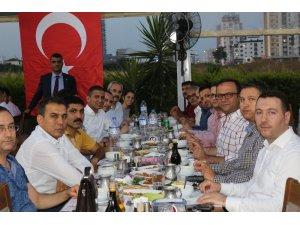 Avukatlar Mersin Barosu'nun iftarında bir araya geldi