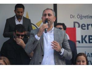 """Adalet Bakanı Gül: """"Kılıçdaroğlu ve İnce'nin derdi Türkiye değil CHP'yi yönetmek"""""""