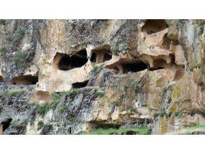 Gercüş'te tarihi mağara keşfedilmeyi bekliyor