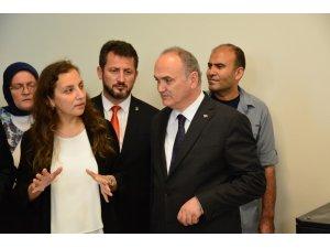 Bakan Özlü'den Akçakoca Bey Siyasal Bilgiler Fakültesi'ne ziyaret