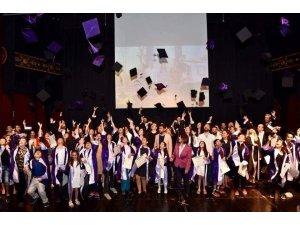 İstanbul'un tek belediye konservatuarı ilk mezunlarını verdi
