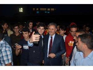 AK Parti'de seçim gezileri sürüyor