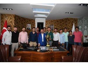 Başkan Üzülmez, Uzunçiftlikspor Kulübü'nü ağırladı