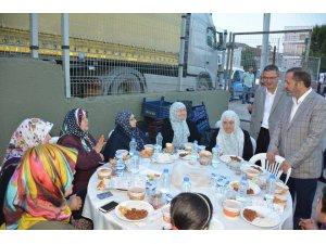 Dilovası'nda iftar sofrası Çerkeşli'de kuruldu