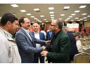 Başkan Üzülmez, MHP'nin iftar yemeğine katıldı