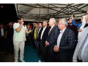 Sanatçı Ahmet Şafak, Pursaklar'da binlerce kişiye konser verdi