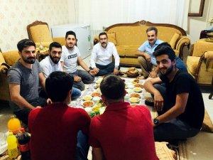 Gezer, kapı kapı dolaştı vatandaşların sorunlarını dinledi