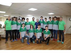 Genel Sekreter Bayram,  genç şampiyonları ağırladı