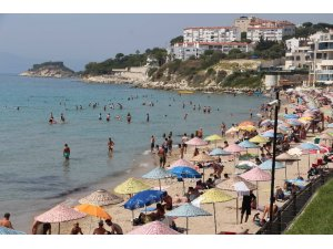 Aydın ve ilçeleri sıcaktan kavruldu, plajlar turistlere kaldı
