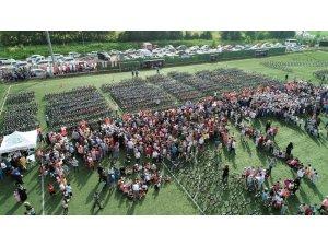 Başkan Ayaz'dan öğrencilere karne hediyesi: bin 471 bisiklet