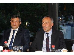 MHP milletvekili adayı Aras, gazetecilerle bir araya geldi