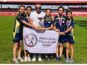 Erdekli sporcular Çanakkale'den şampiyon döndü