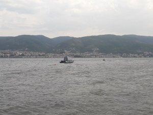 Körfez sahilinde denize giren 2 çocuk kayboldu