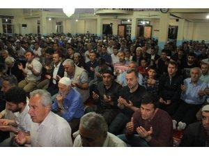 Hakkari'de Kadir Gecesinde mevlit okutuldu