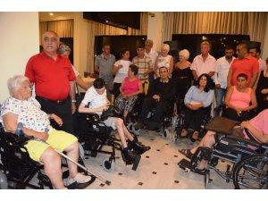 Didim'de iftar sonrası engelliler sevindirildi