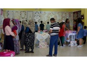 Köylü hanımlardan dikkat çeken yılsonu sergisi