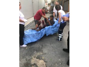 Antalya'da yaralı dilenciye zabıtadan yardım eli