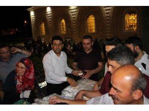 Kadir Gecesinde 5 bin kişiye sütlaç dağıtıldı