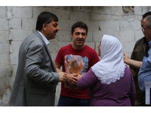 Fadıloğlu'ndan çat kapı iftar ziyaretleri