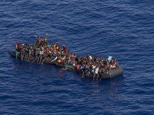 Libya'da 800 kaçak göçmen daha kurtarıldı