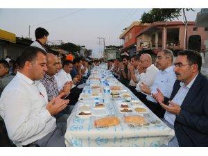 """Başkan Çelikcan: """"Adana'da sokak iftarlarını geleneksel hale getirdik"""""""