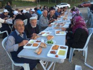 Odunpazarı Belediyesi kırsal mahallelerde iftar vermeye devam ediyor
