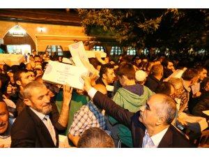Sivas Belediyesi Kadir Gecesi kumanya dağıttı