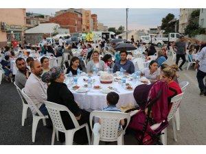 Altınova Mahallesi'nde iftar coşkusu