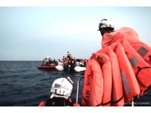 İtalya göçmen gemisine limanları kapattı