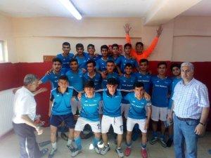 Malatya Telekomspor U17 takımı Kahramanmaraş'ta şampiyon oldu