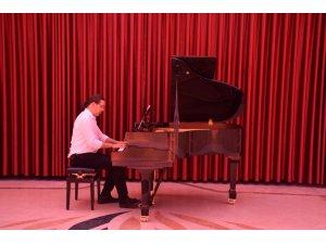 Doç. Arman Artaç'tan piyano resitali