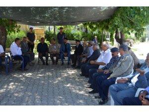 MHP'li Fendoğlu şerbet dağıttı